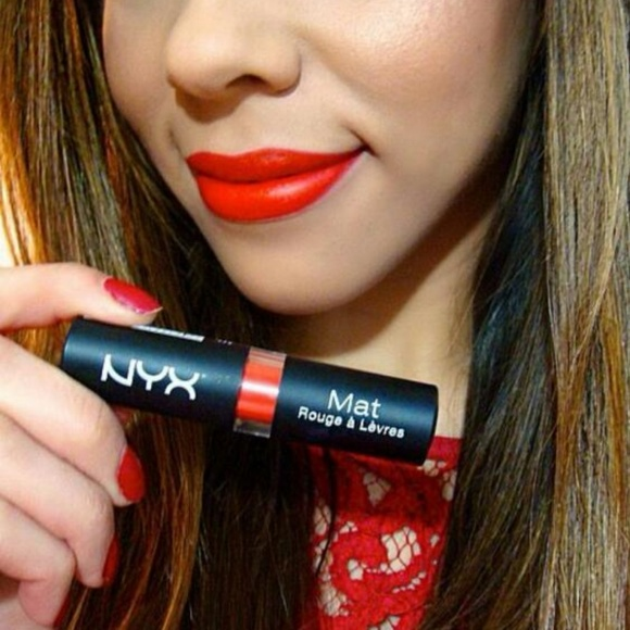 NYX Other - NYX Matte Lipstick - Pure Red